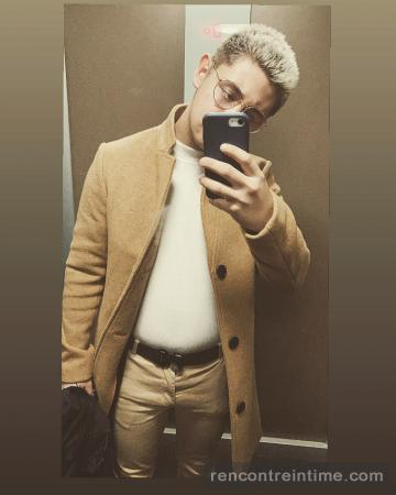 Jeune escort masculin cherche un bon payeur