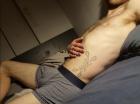 Escort gay Paris versa/pass 27 ans cheveux longs